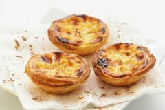 pastel de nata com canela - cinnamon - herbs and spices in portuguese cooking